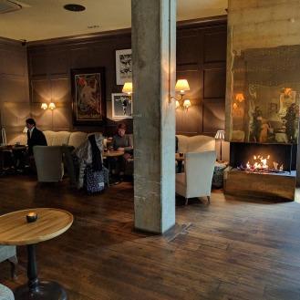 gino_patrassi_hotel_fireplace