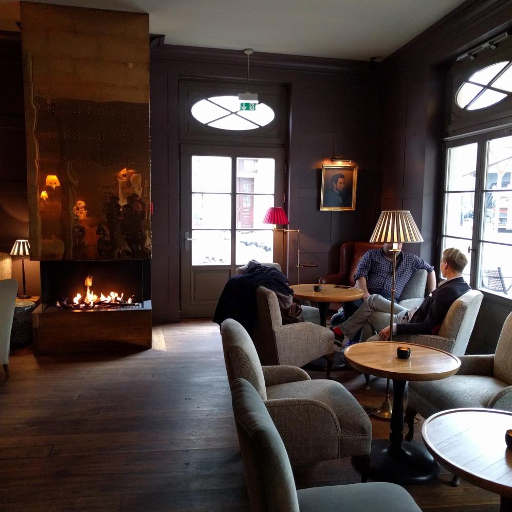 gino_patrassi_hotel_fireplace_1